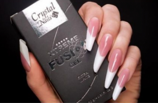 The Revolutionary Crystal Nails Xtreme Fusion Acrylgel
